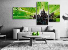 Abstrakt Oljemålning Green city #Green city är en #abstrakt målning som skildrar #solnedgången i en stad vid vattnet. Husen är svarta och himlen #Grön. Gröna nyanser reflekteras på vattnet som får en #limegrön färg. Oljemålningen passar alla moderna hem och #kontor. En handmålad tavla ger alltid ett mer uttrycksfull intryck.