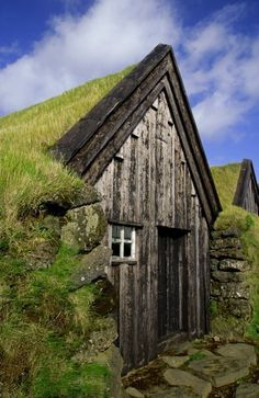 Old Icelandic Farmhouse ~~oh look at the moss roof~or grass!