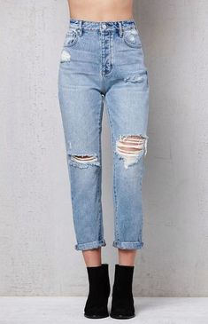 Outfit Jeans, Ripped Mom Jeans, Cargo Jeans, Jeans Bleu, Casual Jeans, Ripped Boyfriend Jeans, High Waisted Mom Jeans, Diy Jeans, Denim Outfits