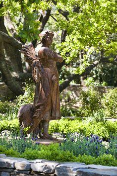 Antique French statuary. www.lindafloyd.com