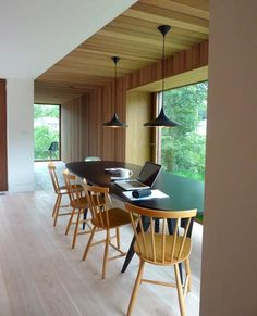 London-based architecture firm Featherstone Young has recently completed a very cool new house called Ty-Hedfan. Found in a Brecon Beacons National Park Timber Ceiling, Wooden Ceilings, Ceiling Detail, Ceiling Design, Ceiling Treatments, Eco Friendly House, Tom Dixon, Black Decor, Interior Architecture