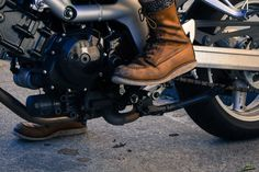 This is how you wear your Red Wing Shoes on a motorcycle #redwing #shoes #redwingshoes #motorcycle #bike