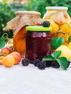 Jak zavařovat ovoce bez cukru a přesto mít marmeládu sladkou Moscow Mule Mugs, Vodka, Table Decorations, Canning, Tableware, Board, Dinnerware, Tablewares, Home Canning