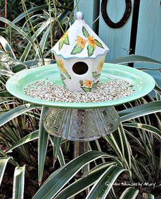 Birdhouse Garden Totem Stake / Garden by GardenWhimsiesByMary