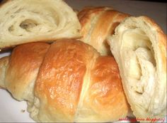 Snídaňové croissanty dle Čištinky varešky Bread, Pizza, Recipes, Food, Brioche, Meal, Rezepte, Essen, Breads