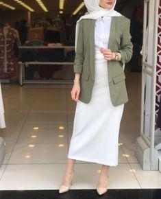 ✔ Office Look Hijab Casual – Hijab Fashion 2020 Modern Hijab Fashion, Street Hijab Fashion, Hijab Fashion Inspiration, Muslim Fashion, Modest Fashion, Fashion Outfits, Style Fashion, Hijab Casual, Hijab Chic
