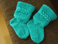 Knitting For Kids, Baby Knitting Patterns, Knitting Socks, Knit Socks, Best Baby Socks, Boot Cuffs, Baby Booties, Mittens, Crafts To Do