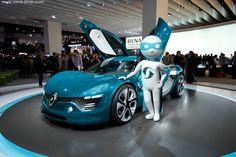 Pour le Mondial de l'automobile à Paris, Super Yonis était présent pour présenter sa YonisMobil. Yonis-Shop.com