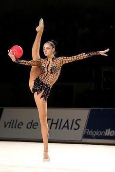Anna Bessonova de Ucrania, gimnasia rítmica.