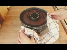 I prepare the chocolate cake in 5 minutes # 214 Cake Recipes, Dessert Recipes, No Cook Desserts, High Tea, Biscotti, Cake Pops, Chocolate Cake, Sweet Treats, Food And Drink