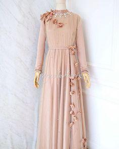 Batik Fashion, 80s Fashion, Girl Fashion, Vintage Fashion, Womens Fashion, Fashion Quiz, Muslim Fashion, Hijab Fashion, Indian Fashion