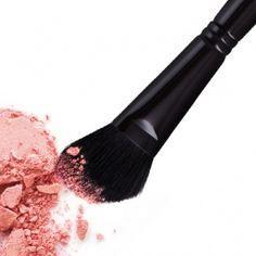 Blush Brush Fm Cosmetics, How To Apply Blush, Blush Brush, Blushes, Bronzer, Squirrel, Goat, Minerals, Powder