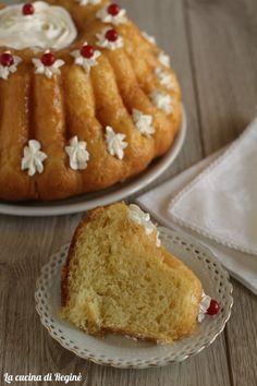 Baba al rum French Desserts, Italian Desserts, Italian Recipes, Italian Cake, Italian Cookies, Cake Recipes, Dessert Recipes, Biscotti Recipe, Savarin