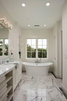 California Shingle Beach House Luxury BathroomsWhite BathroomsBeautiful BathroomsMaster