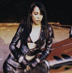 Aaliyah Singer, Rip Aaliyah, Aaliyah Style, My Black Is Beautiful, She Was Beautiful, Aaliyah Haughton, Real Queens, Toni Braxton, Amy Winehouse