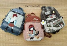 Patchwork Tutorial, Handmade Bags, Beautiful Bags, Mini Bag, Diy And Crafts, Baby Shoes, Patches, Backpacks, Quilts