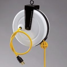 Retracting Electrical Cord Reel That Can Be Hung From The Ceiling