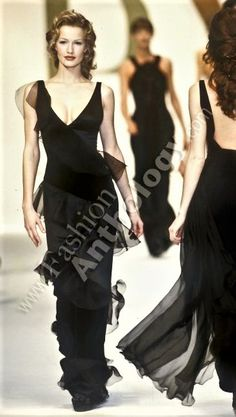 Karen Mulder - Valentino 1993
