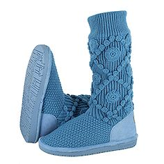 ...one more from the #SPRING COLLECTION - the BEARPAW Annalisa.  A great knit boot, pull it up or slouch it down.