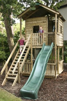 Tree House / Club House Tree House / Club House in Toys & Games, Outdoor Toys & Activities, Climbing Frames … Backyard Fort, Backyard Playhouse, Backyard Playground, Backyard For Kids, Playground Ideas, Playhouse Plans, Backyard Ideas, Playground Flooring, Pallet Playhouse