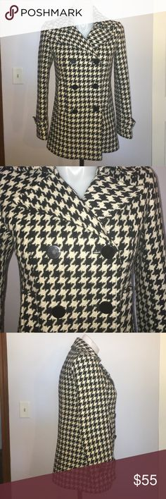 "NY & Company Houndstooth Wool Blend Peacoat size 6 Up for grabs is this coat from New York and Company. It is a size 6 and measures 29.5"" from shoulder to hem and has a 42"" bust, a 40"" waist and 42"" hips. This peacoat is a heavy winter style that is a wool blend. It is a double breast style with double rows of black buttons. This coat has a houndstooth weave and is completely lined. It has been gently worn and is in fantastic condition. *Dry Clean Only* New York & Company Jackets & Coats Pea…"