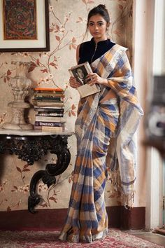 Check Linen Saree With Silver Zari