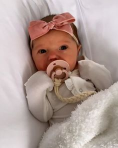 Pin on family Cute Little Baby, Lil Baby, Cute Baby Girl, Little Babies, Cute Babies, Baby Girl Pictures, Cute Baby Pictures, Taytum And Oakley, Everything Baby