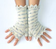 Woman Fingerless Gloves   Ice Queen     White by HandMadeInItaly, €22.00
