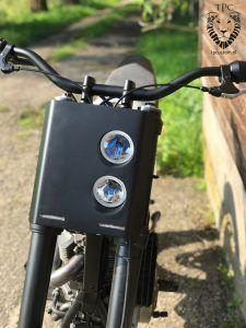 Custom DR650 tracker - TPCustom Motorcycle Lights, Motorcycle Headlight, Retro Motorcycle, How To Clean Headlights, Custom Headlights, Triumph Scrambler, Scrambler Motorcycle, Custom Motorcycles, Custom Bikes