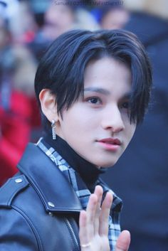 171124 Music Bank arrival © 첫눈의 너‏ Samuel Samuel, Kim Kardashian Wallpaper, The Soloist, Fandom, King Of My Heart, Kdrama Actors, American Singers, Kpop Boy, My Boyfriend