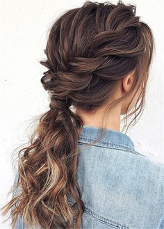 ponytail hairstyles 7 Clever Ways To Wear A Ponytail For Every Occasion. No matter if you like fancy, messy, or braided ponytails, or have short or long hair, here you'll find ele Prom Hairstyles For Short Hair, Prom Hair Updo, Daily Hairstyles, Quick Hairstyles, Braided Hairstyles, Bridesmaid Hair Ponytail, Greasy Hair Hairstyles, Teenage Hairstyles, Gorgeous Hairstyles