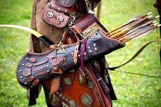 Each warrior handcrafted their own bow, arrows and quiver. Archery Quiver, Archery Gear, Archery Equipment, Leather Quiver, Leather Art, Leather Engraving, Bow Cases, Traditional Archery, Family Roots