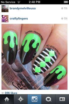 Green drip nails