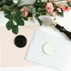 Do you love black or white? Let us know in the comments below! Have a beautiful weekend!   #weekend #blackandwhite #black #white #wax #waxseal #waxsealstamp  #customwaxseal #stamp #seal #seals #sealed