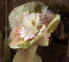 1920'S VINTAGE YELLOW& PINK EMBROIDERED VELVET FLOWER FEATHER CLOCHE FLAPPER HAT