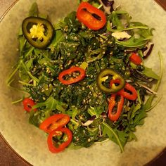 A quick salad to start dinner  #fitnessfood #fitness #protein #healthy #fitfam #gym #eatclean #cleaneating #foodporn #fit #gains #nutrition #health #lowcarb #fitlife #healthyeating #healthyfood #healthyliving #gainz #recovery #fuel #macros #gymlife #postworkoutmeal #homemade #bananabread #salad  #spinach #arugula #intermittentfasting