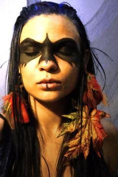 Indianerin mit Rabenbemalung