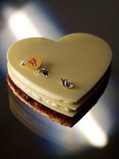 Pierre Hermé Paris #french #pastries #pastelerias #dessert #postre