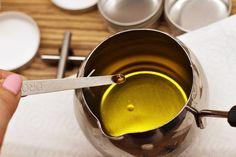 Domácí ochranný balzám na ruce s včelím voskem a levandulí - Meg v kuchyni Measuring Cups, Measuring Cup, Measuring Spoons