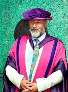 Photographer Richard Young receives an Honorary Fellowship from The University of The Arts London