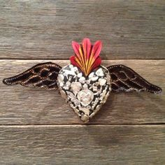 MEXICAN SMALL MIRACLE FLYING HEART