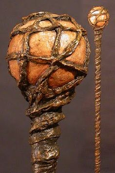 Mathieu René brings us this nicely done wizard& staff constructed entirely from wood and paper mache. Walking Sticks And Canes, Walking Canes, Wizard Staff, Walking Staff, Paperclay, Medieval Fantasy, Holidays Halloween, Wiccan, Witchcraft