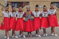 Bontle Bride is a wedding magazine with a flavour of culture. We feauture beautiful wedding, advice and tips. Wedding Dresses South Africa, African Print Wedding Dress, African Wedding Attire, South African Weddings, African Attire, Zulu Traditional Wedding Dresses, Zulu Traditional Attire, African Traditional Dresses, Traditional Outfits