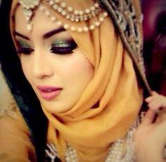 wedding makeup hijab Inspiring Wedding Make Up Ideas with Arabic Style Hijabi Wedding, Wedding Hijab Styles, Hijab Wedding Dresses, Bridal Hijab, Hijab Bride, Pakistani Bridal, Indian Bridal, Muslim Brides, Muslim Girls