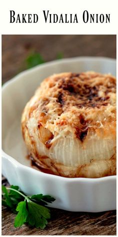 Baked Vidalia Onions - flavorful, tender and soft, this dish is a great accompaniment to any meat you make on the grill or in the oven anytime of the year. Side Dish Recipes, Vegetable Recipes, Vegetarian Recipes, Cooking Recipes, Yummy Recipes, Recipies, Drink Recipes, Vidalia Onion Recipes, Vidalia Onions