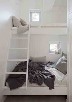 perfect loft bed solution for small spaces. Photo: Home Adore Bunk Beds With Stairs, Kids Bunk Beds, Adult Bunk Beds, Small Space Living, Small Spaces, Tiny Living, Beds For Small Rooms, Bed Nook, Modern Bunk Beds