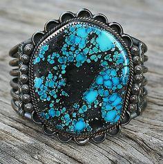 Vintage-NAVAJO-Native-American-TURQUOISE-Sterling-Cuff-Bracelet-Signed-84-gr