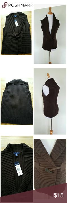 """NWT Chaps brown knit sweater vest Nice neutral brown sweater vest / sleeveless cardigan with toggle closure. Great layering piece!  Approx length 24"""" Chaps Sweaters"""