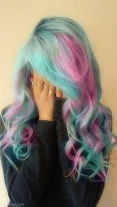 Me gusta teñirme el pelo de colores.