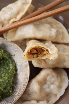 Tibetan Vegetable Momos with Coriander and Cashew Nut Pesto _ Serve immediately with sweet chilli sauce & this pesto. Momos are a type of dumpling popular in Tibet and Nepal where they are sold as street food or fast food. The main fillings include minced chicken or lamb/goat mixed with onions & spices, as well as finely minced vegetables or cheese.